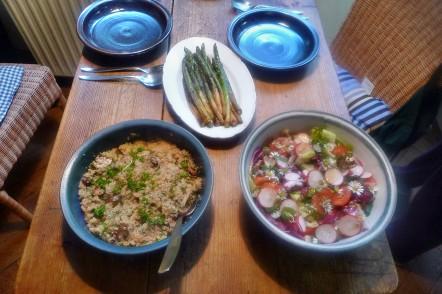 Quinoarisotto mit Pilzen--grüner Spargel-Salat-29.5.2014 (6)