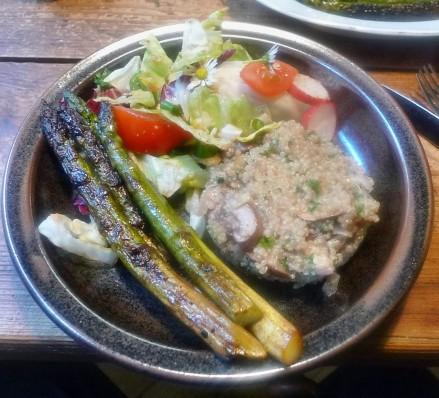 Quinoarisotto mit Pilzen--grüner Spargel-Salat-29.5.2014 (8)