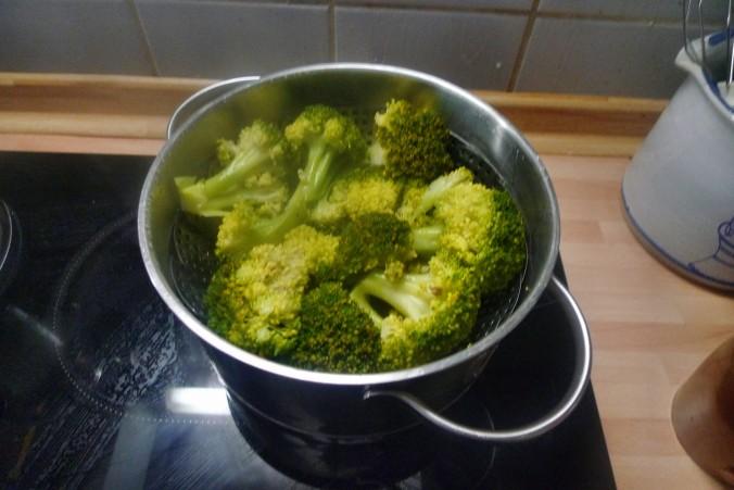 Brokkoli-Schwarze Nudeln- 29.9.14  (7)