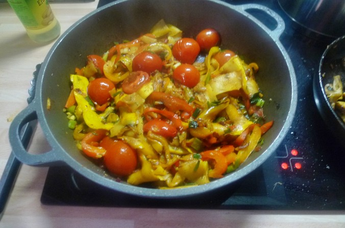 Gemüse-Nudelpfanne - 16.9.14   (11)