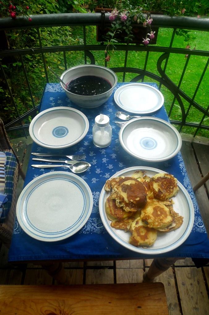 Hollundersuppe,Apfelpfannkuchen - 10.9.14   (14)