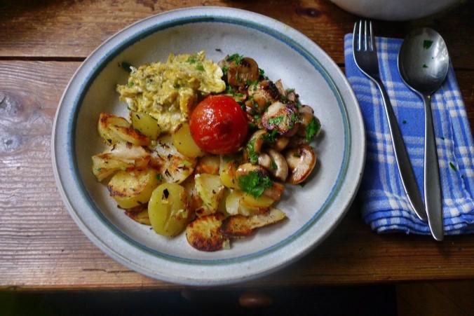 Bratkartoffel,Champignon,Rührei - 30.10.14   (11)