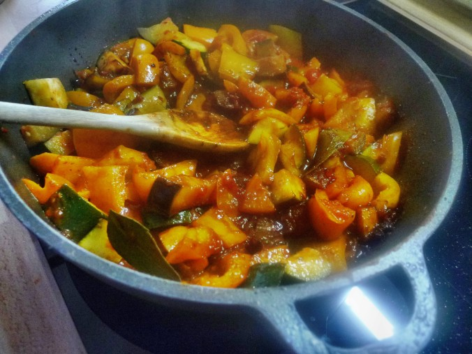 Ratatouille mit selbstgemachte Nudeln - 10.11.14   (10a)