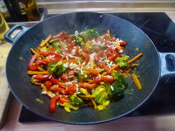 Wokgemüse mit Omlette - 23.11.14   (25)