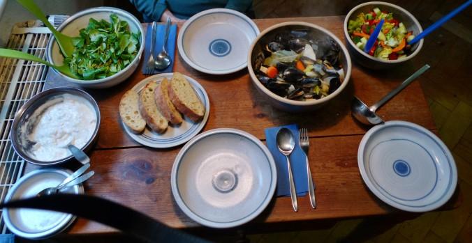 Muscheln,Salate,Weißbrot-12.12.14 (17)
