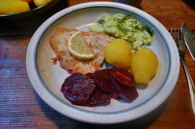 Schollenfilet,Salate,Kartoffeln-16.12.14   (1)