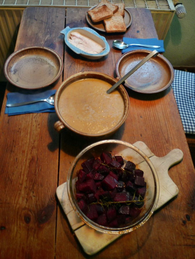 Pastinakensuppe-Rote Beetegemüse - 3.1.15   (11)