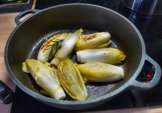 Chicoree,Salzkartoffeln,Pflaumenkompott,vegetarisch - 28.2.15   (4)