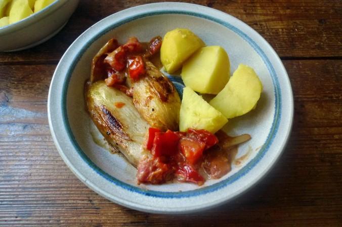 Chicoree,Salzkartoffeln,Pflaumenkompott,vegetarisch - 28.2.15   (9)