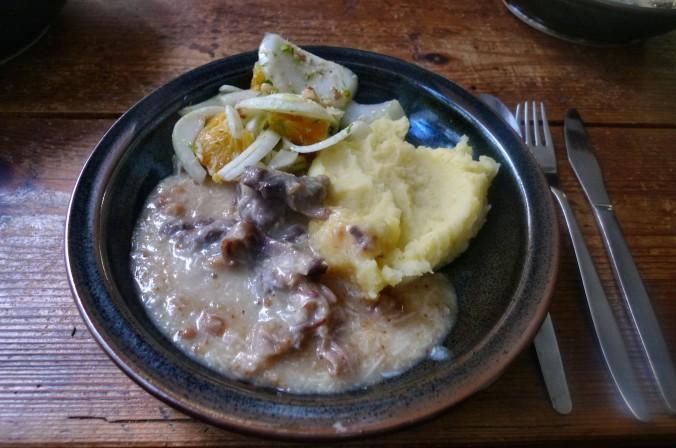 Meerrettichsauce,Beinscheibe,Kartoffelbrei,Fenchelsalat - 3.2.15   (13)
