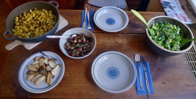 Roh gebratene Kartoffeln,Kräutersaitlinge,Champignon,Römersalat - 26.2.15   (8)