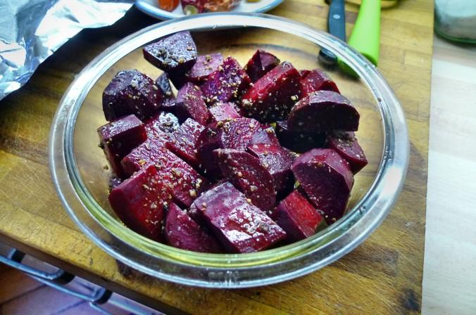 Rote Beete,Kartoffeln,Frikadellen,Salat -9.2.15   (4)