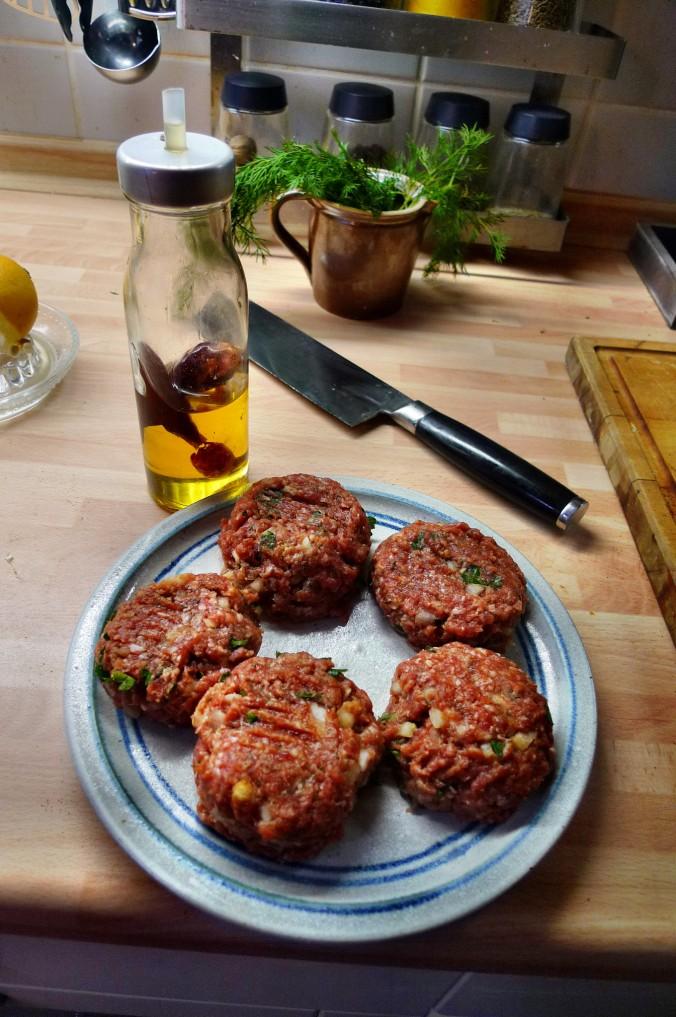 Rote Beete,Kartoffeln,Frikadellen,Salat -9.2.15   (8)