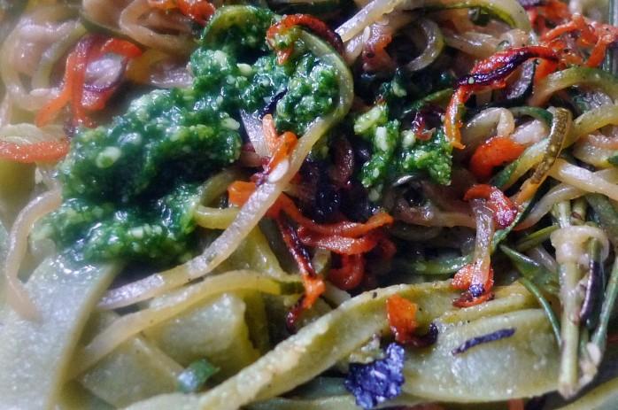 Grüne Nudeln,Zucchininudeln,Karottennudeln,Bärlauchpesto -22.3.15   (11)