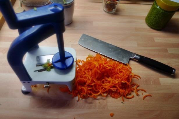 Grüne Nudeln,Zucchininudeln,Karottennudeln,Bärlauchpesto -22.3.15   (3)