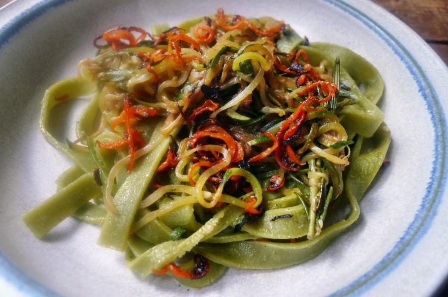 Grüne Nudeln,Zucchininudeln,Karottennudeln,Bärlauchpesto -22.3.15   (7)