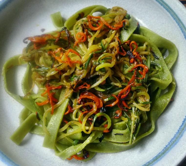 Grüne Nudeln,Zucchininudeln,Karottennudeln,Bärlauchpesto -22.3.15   (8)