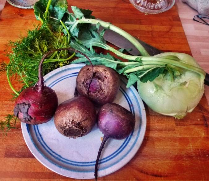 Rote betegemüse,gebratener Reis,Joghurtdip,Kohlrabisalat - 27.3.15   (1)