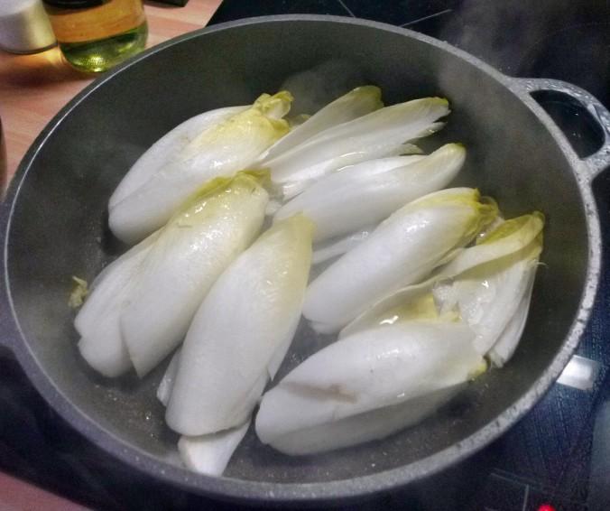 Chicoree,Salat mit Vorelmiere,Kartoffelgratin -9.4.15   (6)