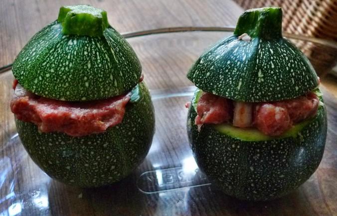 gefüllte Zucchini,Kartoffel,Rhabarberkompott - 30.4.15   (6)