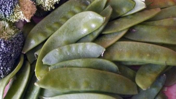 Kartoffelstampf-Löwenzahn,Brokkoli,Kaiserschoten,Tomatensalat -29.4.15   (2)