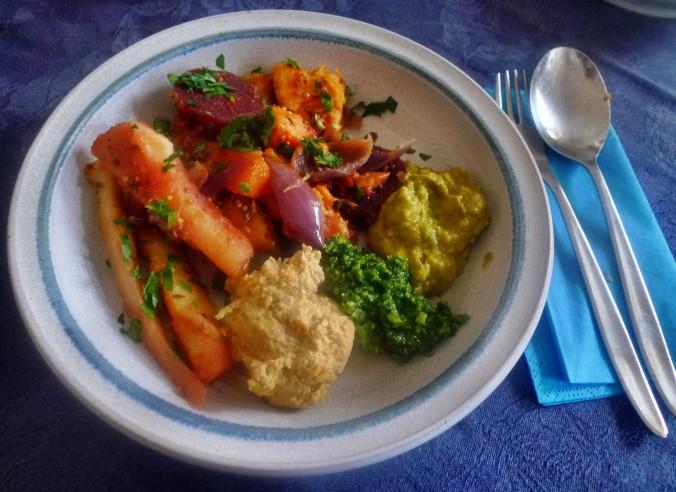 Ofengebackenes Würzelgemüse,Hummus,Guacamole -5.4.15   (15)