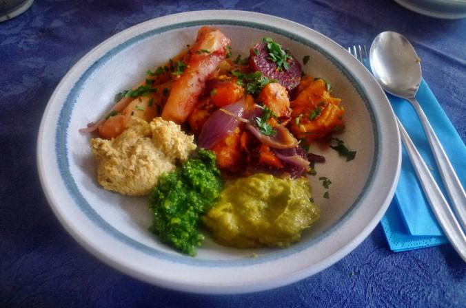 Ofengebackenes Würzelgemüse,Hummus,Guacamole -5.4.15   (16)