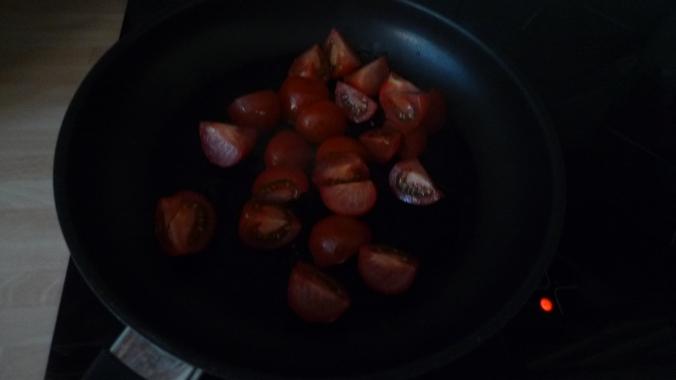 Rührei mit Tomaten - 22.4.15   (2)
