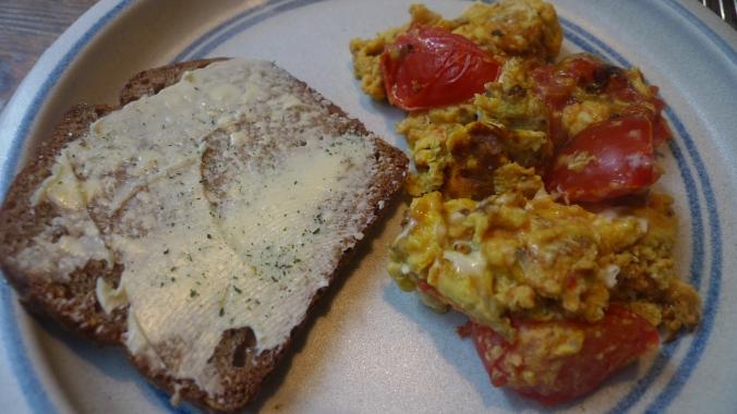 Rührei mit Tomaten - 22.4.15   (7)