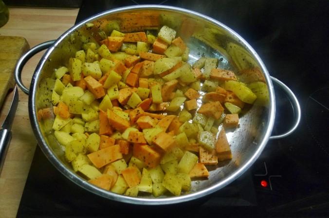 Bratkartoffel,Salat,Spiegelei,Dip,Zucchini - 13.5.15   (7)