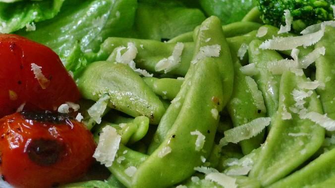 Grüne Nudeln,Bärlauchpesto,Salat -2.5.15   (7)