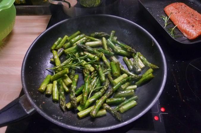 Lachs,Spargel,Dip,Salat,Kartoffel -10.5.15   (9)