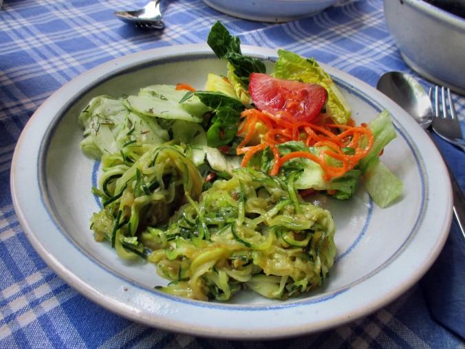 Zucchinispagetthi,Salate-30.6.15   (11)