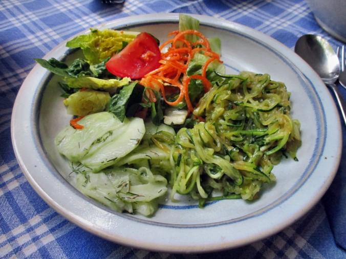 Zucchinispagetthi,Salate-30.6.15   (12)