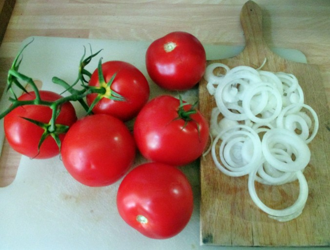 Frikadellen,Kartoffeln,Tomatensalat - 24.7.15   (4)