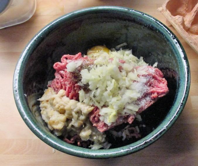 Frikadellen,Kartoffeln,Tomatensalat - 24.7.15   (7)