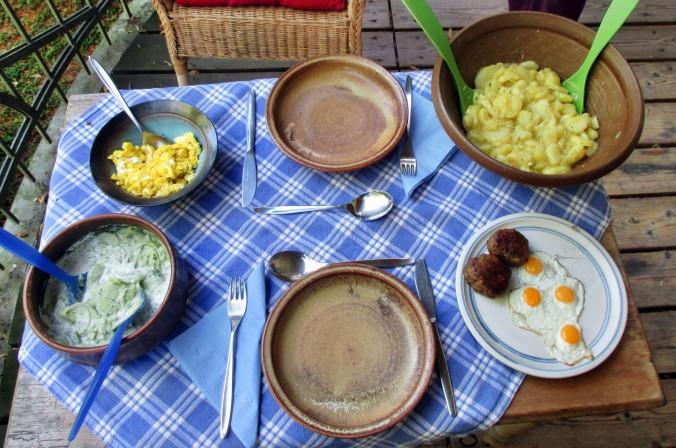 Kartoffelsalat,Ei,Gurkensalat - 25.7.15   (12)