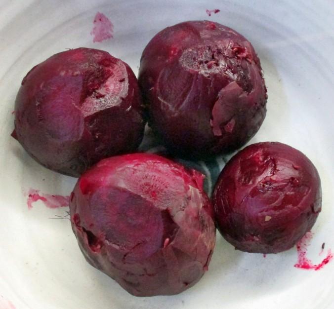 Kohlrabigemüse,Rote Betesalat,Guacamole,Karoffeln-15.7.15 (7)