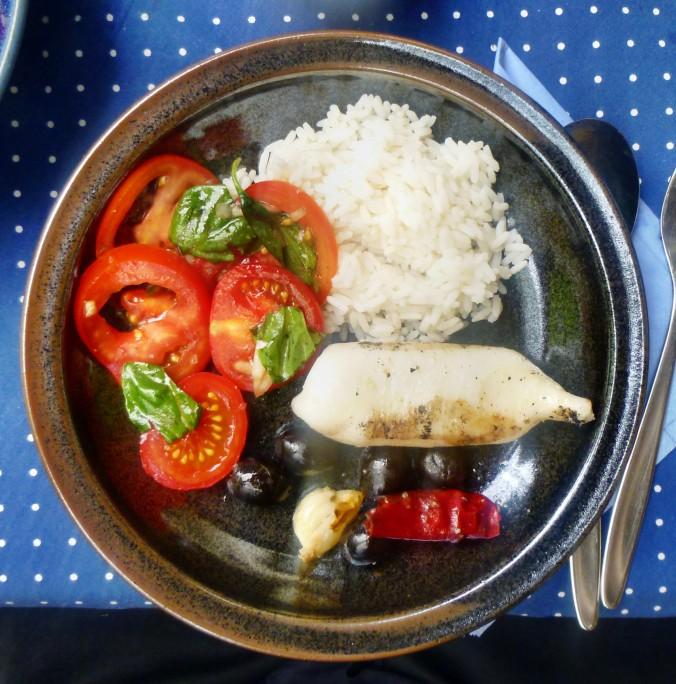 Tintenfisch Tuben,Reis,Tomatensalat,Melone -18.7.15   (10)
