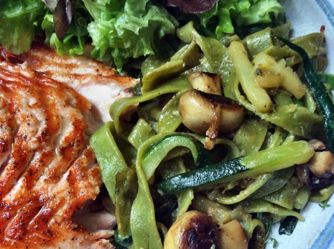Lachs,Bandnudeln,Zucchini, -23.9.15   (11)