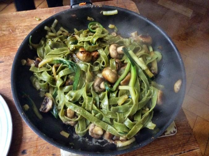 Lachs,Bandnudeln,Zucchini, -23.9.15   (8)