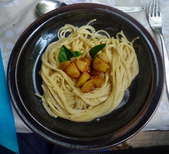 Nudeln mit Gorgonzola - (1) -1.9.15