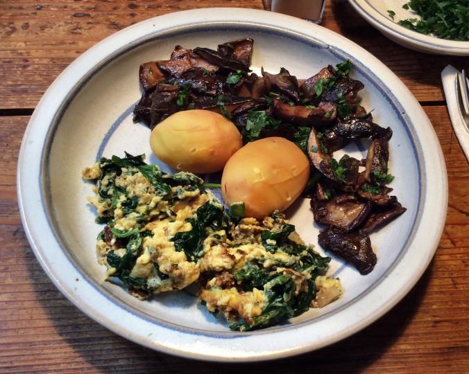 Maronen,Sinat mit Rührei,Kartoffeln - 25.10.15 (1)