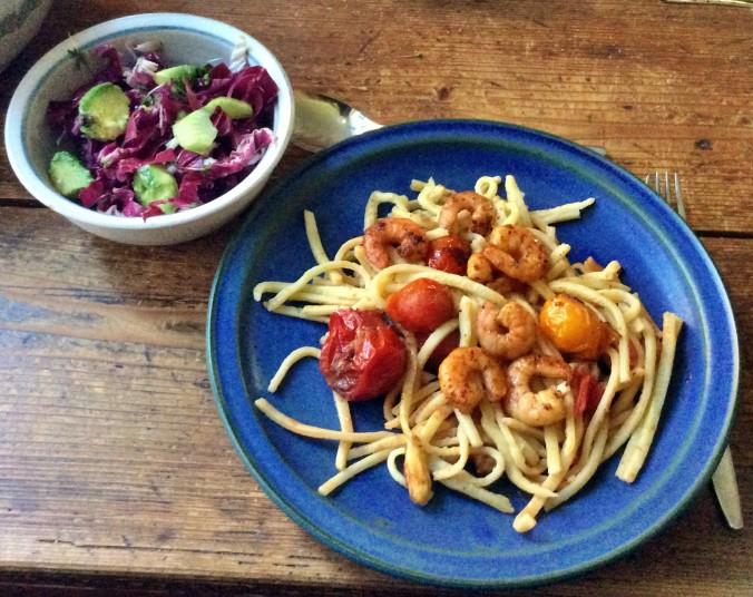 Selbstgemachte Nudeln,Costa Prawns,Salat, - 27.10.15   (1)