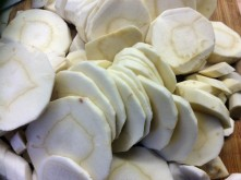 Wurzelgemüse,Bratkartoffeln,Petersiliensoße,,Forelle - 12.10.15 (4)