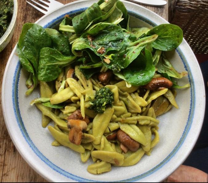grüne Nudeln mit Champignon,Feldsalat -7.11.15   (9)