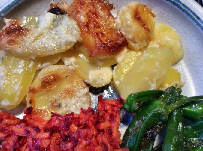 Kartoffelgratin,Pimientos,Möhrensalat -5.11 (17)