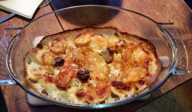 Kartoffelgratin,Pimientos,Möhrensalat -5.11 (8a)