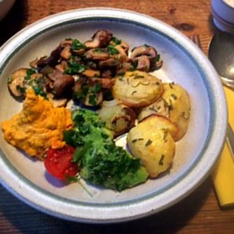14.1.16 - Rosmarinkartoffeln,Champignon,Baba Ganousch,Avocado,Joghurtspeise (12)