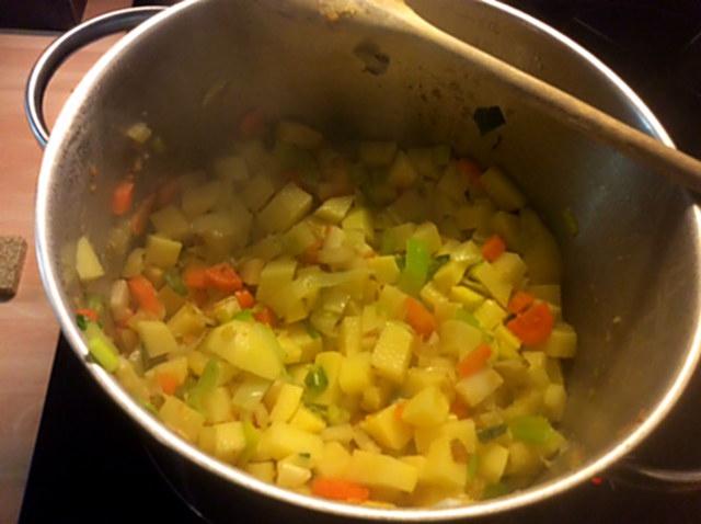 20.1.16 - Kartoffelsuppe,vegan (5)
